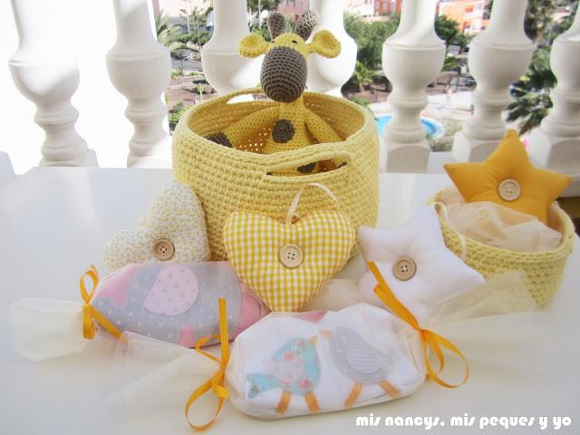mis nancys, mis peques y yo, capazo de trapillo, detalle lote de regalos para bebé