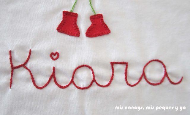 mis nancys, mis peques y yo, tutorial aplique en camiseta muñequita, bordamos el nombre con punto cadeneta