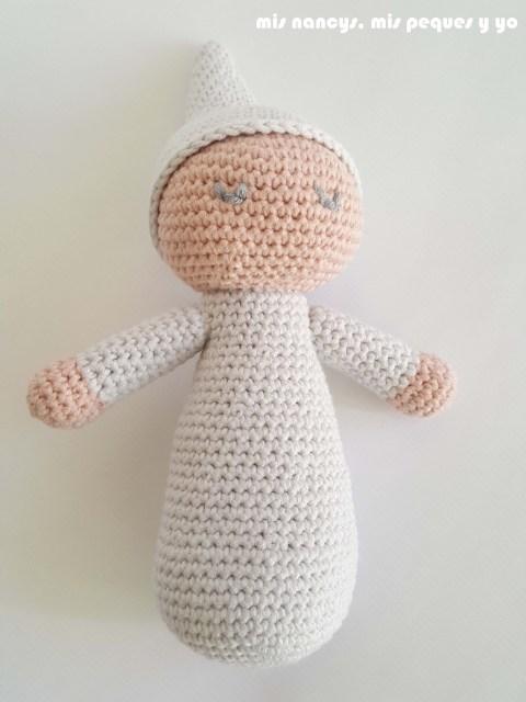 mis nancys, mis peques y yo, bebé dormilón amigurumi con patrón de lanas y ovillos