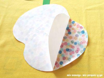 mis nancys, mis peques y yo, tutorial como personalizar camisetas, aplique de manzana, despegar papel flixelina