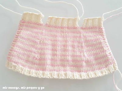 """mis nancys, mis peques y yo, tutorial jersey de punto para Nancy """"Fresa y nata"""", tejer y cerrar los puntos centrales"""