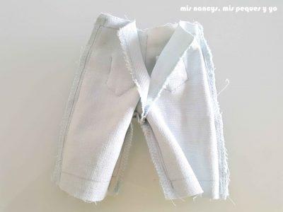 mis nancys, mis peques y yo, tutorial short vaquero para Nancy (patron gratis), pantalon por el reves parte trasera