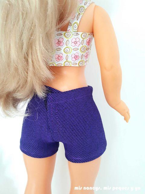 mis nancys, mis peques y yo, tutorial pantalón corto para Nancy, modelo pantalón corto de vestir, parte trasera