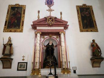 Santa Rita de casia de José Risueño. Lienzos de San Marcos y San Lucas de Juan de Sevilla. San Pedro y san Pablo