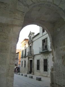 Palacio de los Marqueses de Cartagena desde la Puerta de las Granadas. Foto: Francisco López