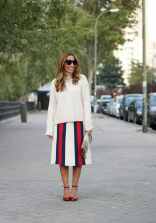 01a-street style-gucci skirt-alessandro michele-aw2016-tango-christian louboutin-con dos tacones-c2t