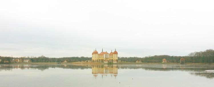 """Schloss Moritzburg bei Dresden - einer der Schauplätze von """"Aschenbrödel"""""""