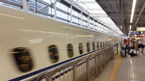 Wuuuuuuusch... Shinkansen!
