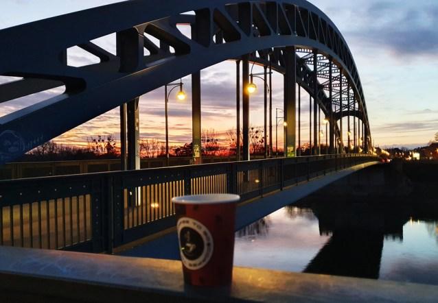 Sternbrücke in Magdeburg und ein nicht-alkoholisches Heißgetränk