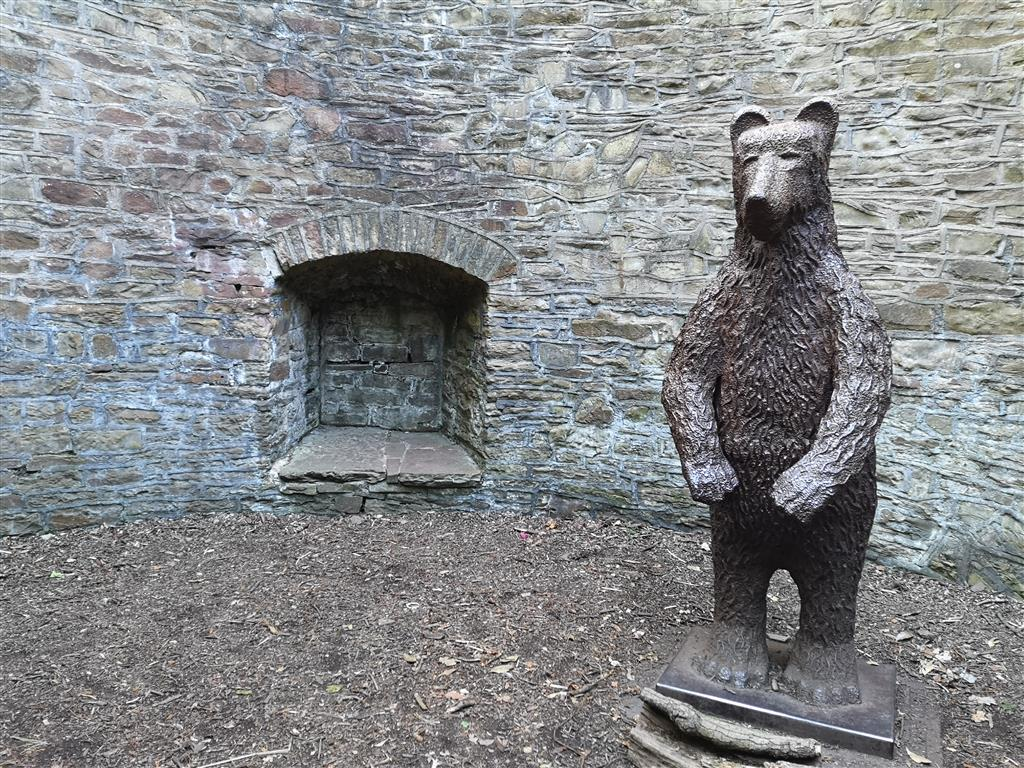 Victorian Bear Pit, Sheffield Botanical Gardens, Yorkshire, UK