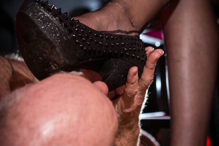 Foot, shoe and boot worship Milton Keynes