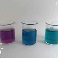 [:de]Clitoria Ternatea L. mit Säure und Base[:fr]La Liane de ternate et l'ajout d'acide ou de base[:]