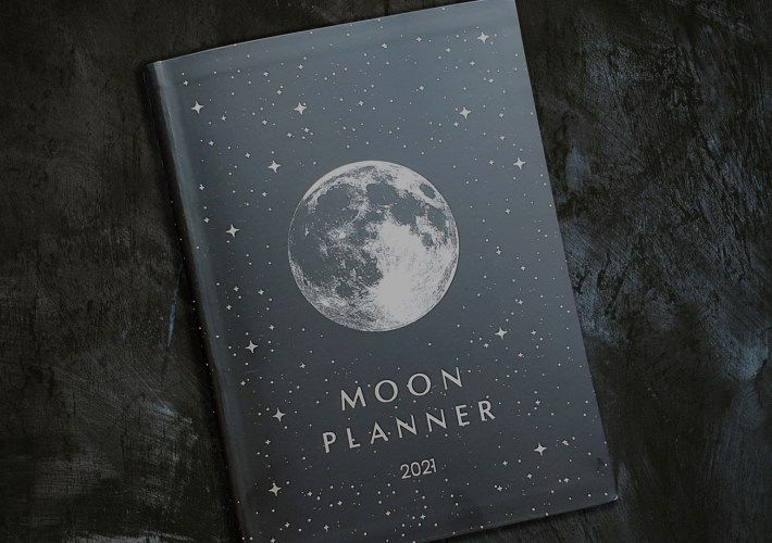 Moon planner 2021 review | Live in harmony with nature's law and learn about zodiac signs and the moon.
