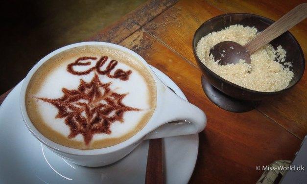 Drik en kop kaffe på Cafe Chill i Ella, Sri Lanka