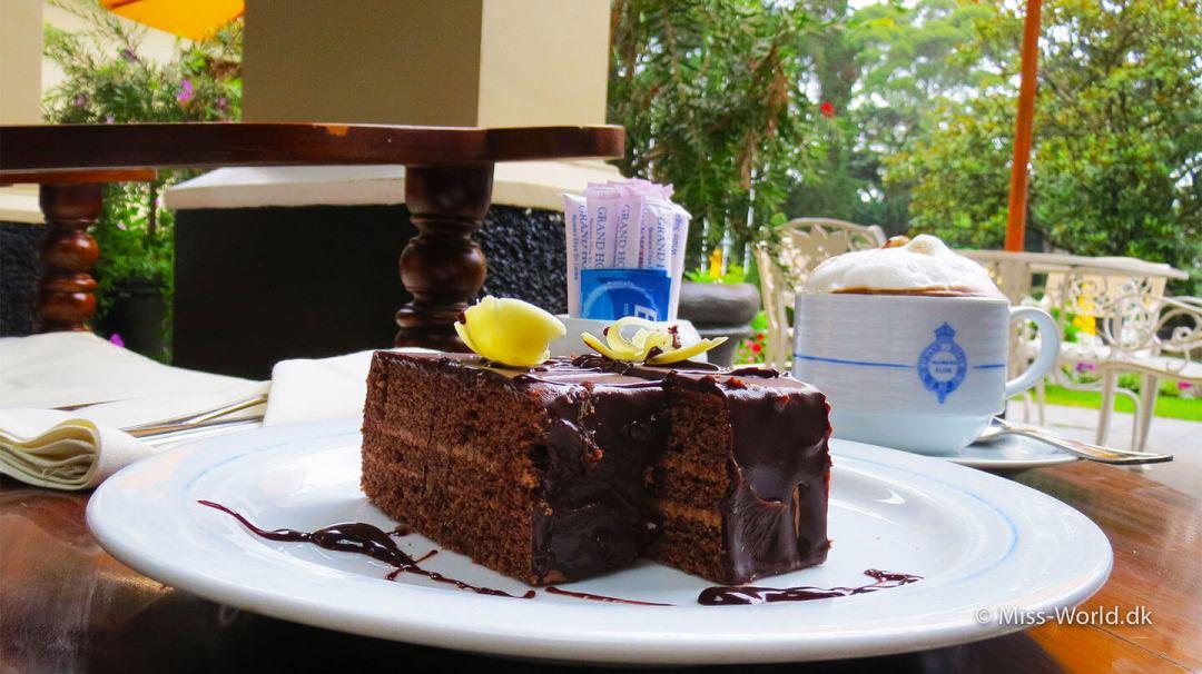 The Grand Hotel Nuwara Eliya Sri Lanka - Coffee and chocolate cake