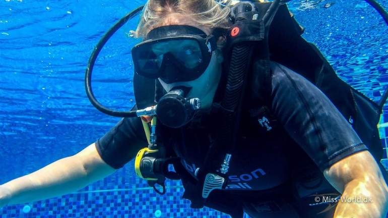 Trine Handskemager - Scuba diving in Bali