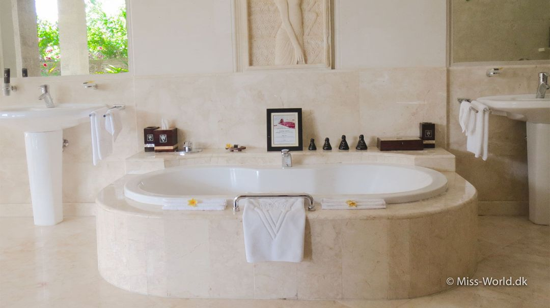 Viceroy Bali hotel bathroom