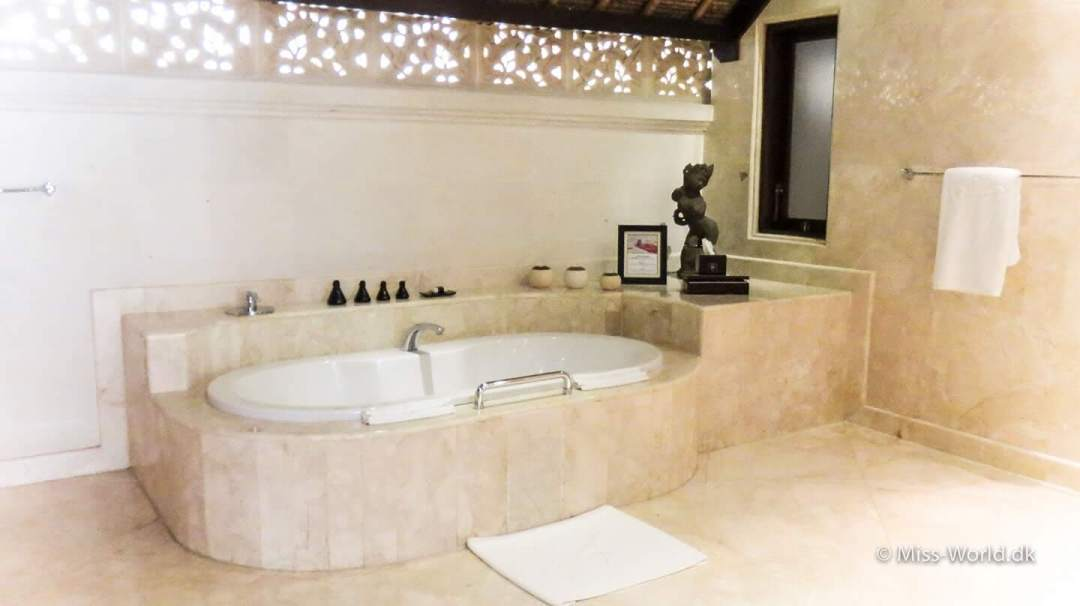 The bathroom in Viceroy Bali hotel Ubud