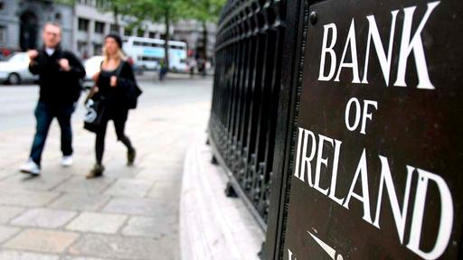 Schild der Bank of Ireland