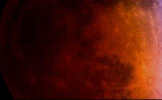 eclipsi-lluna-vermella Captura de pantalla del vídeo de l'observari Griffith