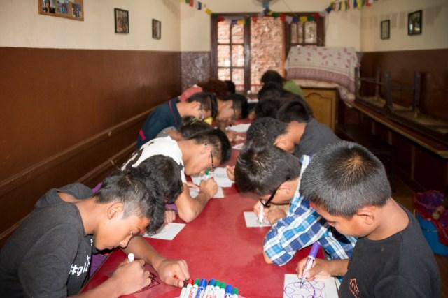 "© Clara.Go Dashain i ""Plastic and Cartoons"" a Sano Sansar! (Petit Món)"