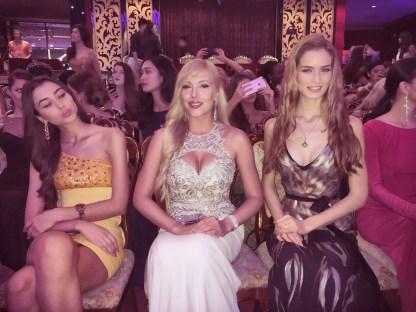 Publikum mit Miss Bulgaria