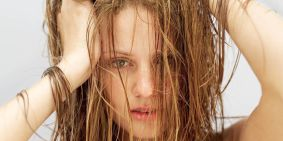 1453581030-1453498831-nrm_1411466604-could-the-no-poo-method-cause-hair-loss