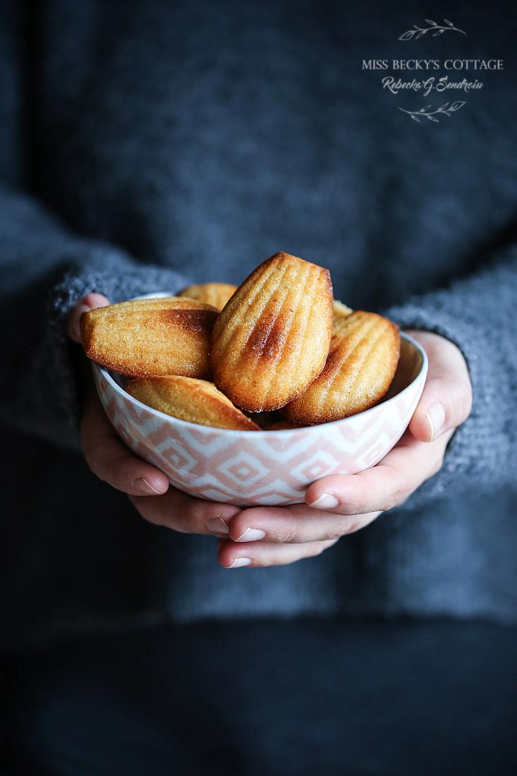 skyr_and_vanilla_gluten_free_madeleine
