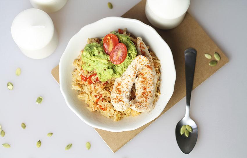 Bol complet poulet guacamole et riz provençal 3