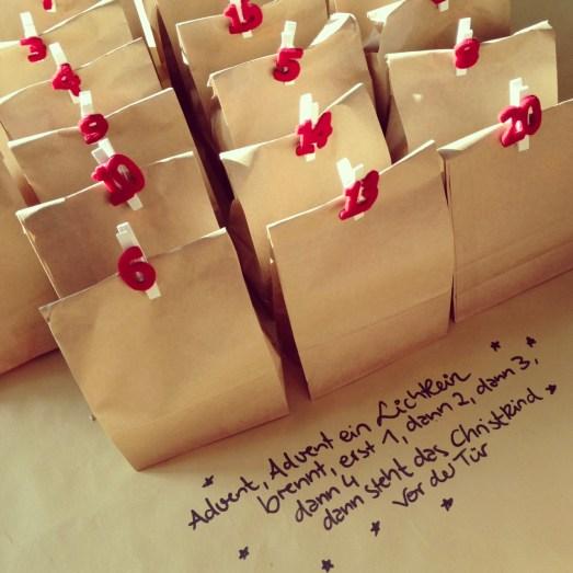 DIY Adventskalender tüten Nummern Depot selbstgemacht Füllungen Geschenke