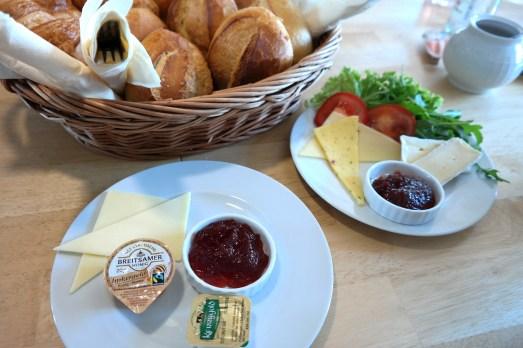 Mayras Wohnzimmercafe Bonn Beuel Bloggertreffen Event Frühstück Missbonnebonne Kaffee Kuchen Buffet