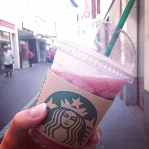 Sommer Sonne zu kurz Bonn Regenwetter Sonnenschein Hugo alkoholfrei Spaghettieis Starbucks Frappuccino Bonn_