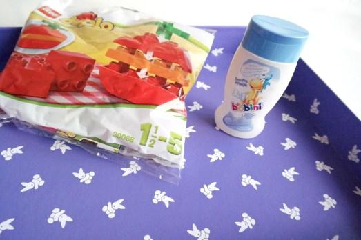 Nonabox September 2014 unboxing ausgepackt was ist drin blogger mamablog bonn lifestyleblog missbonnebonne mam flasche buch duplo apfel shuyao