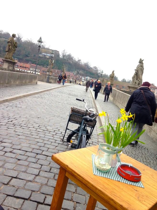missbbontour missbonnebonne reiseblog reisen kurztrip städtetrip würzburg alte mainbrücke