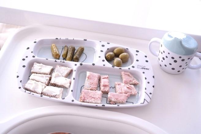 Babyessen im zweiten Jahr Abendessen Mittagessen Done By Deer Mamablog Oliven Gurken Missbonnebonne