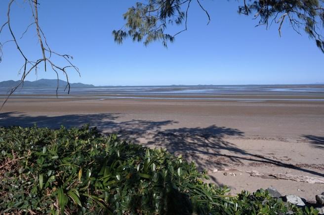 Ostküste Roadtrip Australien reisen mit Baby Kind Tipps Erfahrungen mit dem Auto Airlie Beach Hotel Strand Promenade