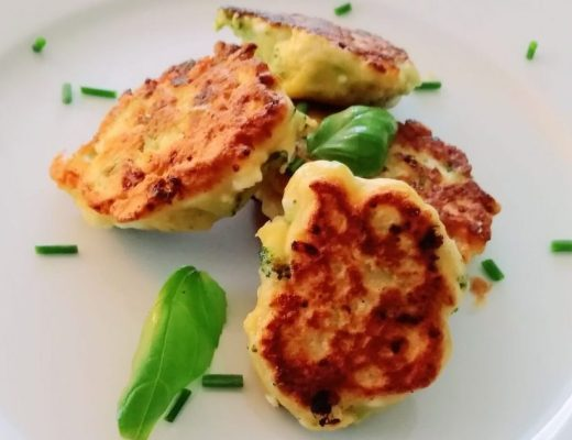Hüttenkäse-Taler mit Broccoli, Kinderrezept