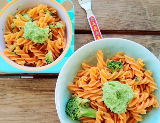 kinder rezept familie vegetarisch kind Linsenpasta im Test mit einem Broccoli Pesto Kinderteller, Brokkoli