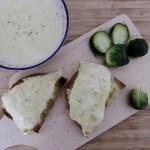 rezept Raclette-Sauerkraut-Schnitten mit Karottensuppe und Rosenkohl.