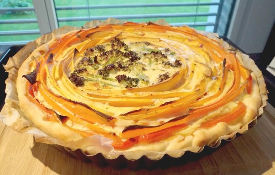 Gemüsewähe Spiraloptik mit Karotten, Süsskartoffeln, Broccoli, Peperoni
