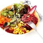 Buddha Bowl Quinoa Salat rezept kiwi mais chicoree