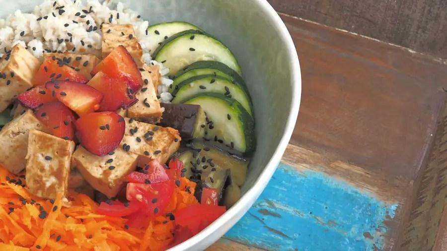Poké Bowl vegan, pokebowl, vegetarisch, buddha bowl, hawaiianisch, tofu, gemüse, rezept, einfach, foodblog