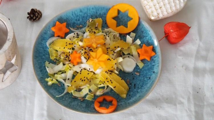 Weihnachtssalat chicorée orangen gemüsesterne rezept orangenvinaigrette weihnachten advent festtage einfach vegan