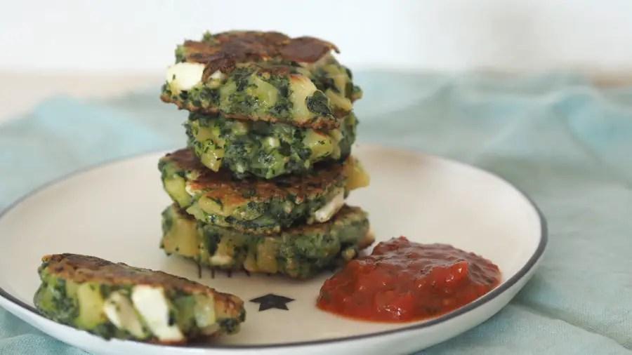spinatpuffer tätschli bratling vegetarisch feta spinat kinder rezept familie resten schnell einfach