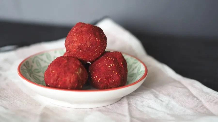 sweetpotato süsskartoffel energy balls energy bites, bliss balls kokos, ohne zucker, farbig, rezept kinder familie