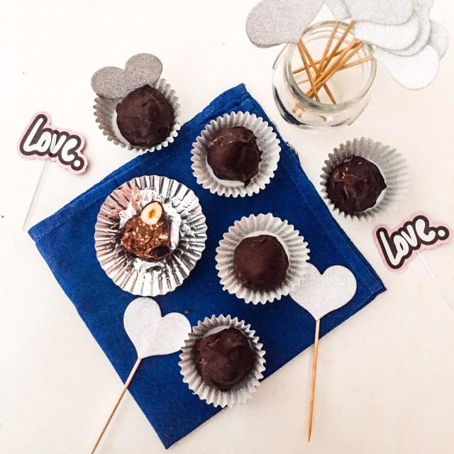 Baci di cioccolato dall'alto