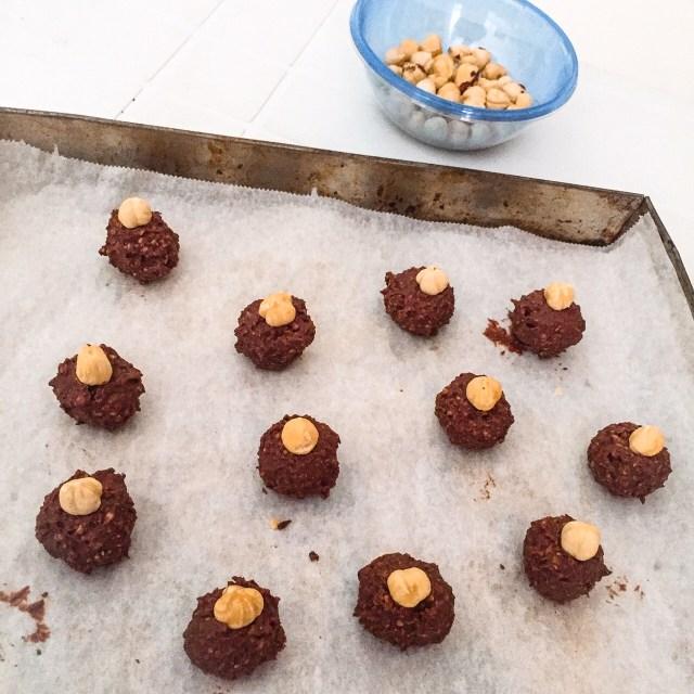 Baci di cioccolato_palline con nocciole