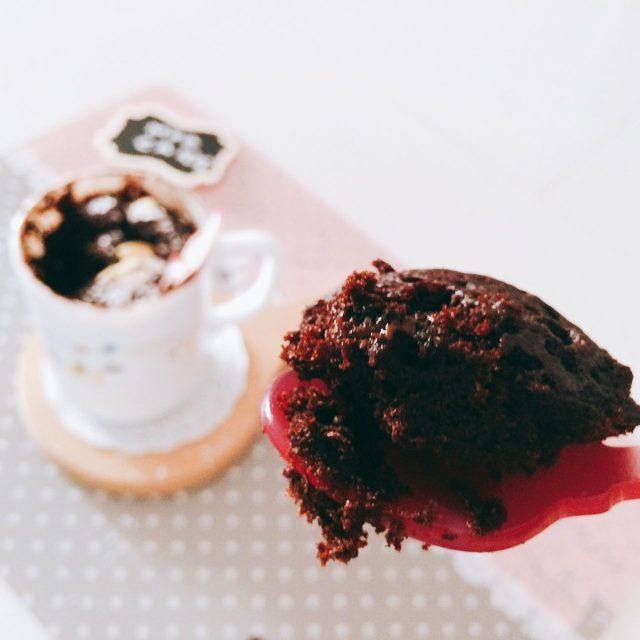 Mug cake foresta nera_single cake cucchiaino