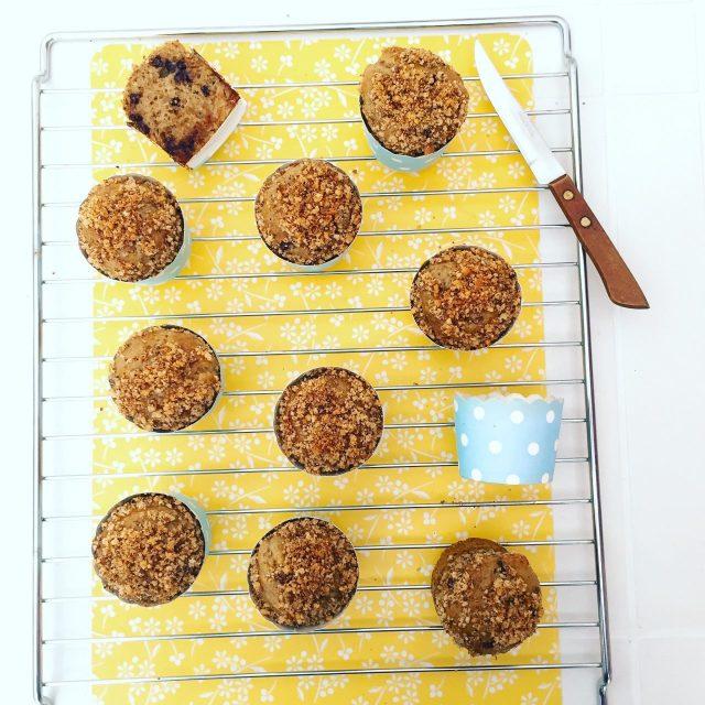 Muffin banane e cioccolato con noci