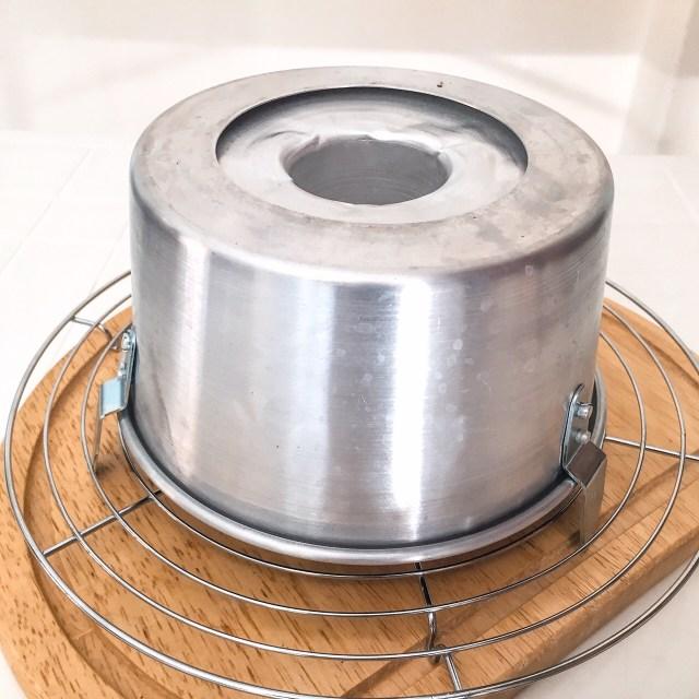 CHIFFON CAKE AL CACAO E CIOCCOLATO BIANCO da sfornare
